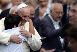 Papa Francesco: la Chiesa accorci le distanze dalla gente
