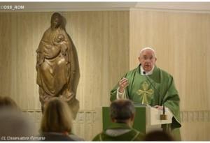 il Papa a Santa Marta: il diavolo non è un mito, va combattuto con l'arma della verità