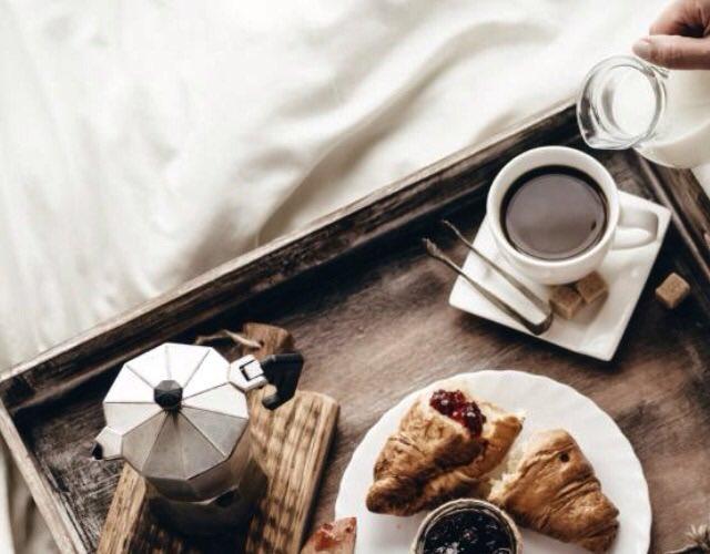 Pausa caffè a Nazareth – A Cesare e a Dio